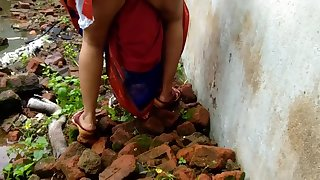 Devar Outdoor Fucking Indian Bhabhi Surrounding Abandoned House Ricky Public Coitus