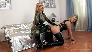 Bitchy floss blot one's copybook sexy latex lingerie Wivian fucks submissive chick